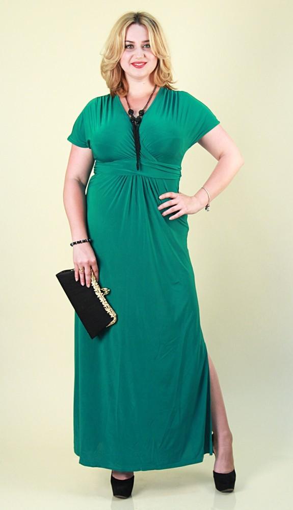 4. Платья и юбки в пол отлично вытягивают фигуру и стройнят, но старайтесь выбирать однотонное плать