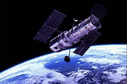 NASA запустит три космических телескопа для исследования темных дыр