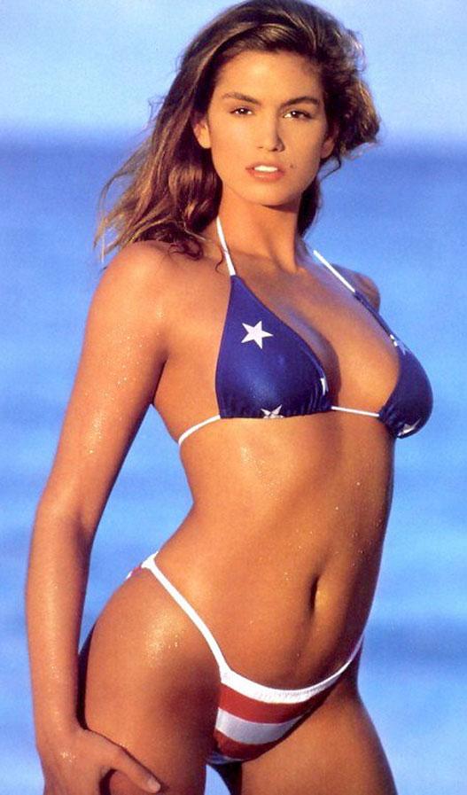 Знаменитые девушки в американском флаге - Cindy Crawford