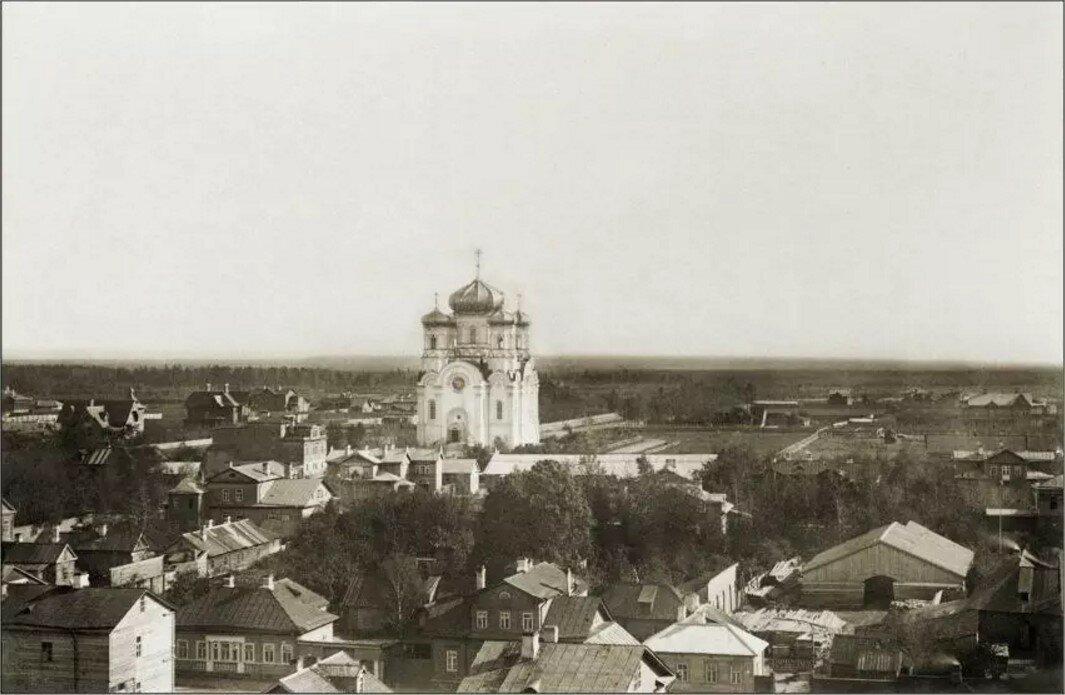 Вид на Павловский собор