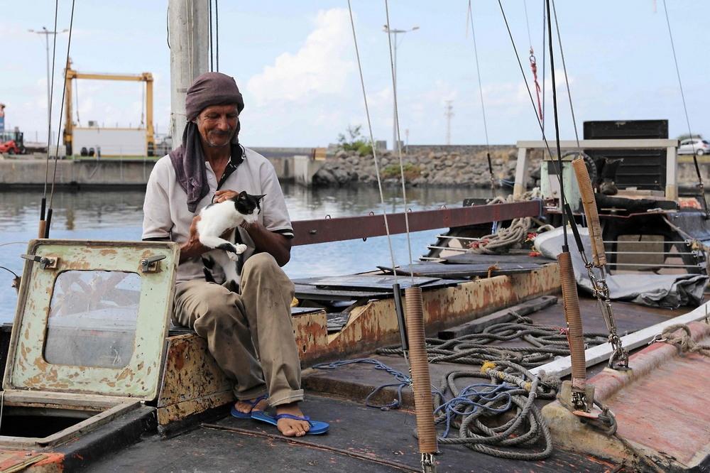 Польский моряк с кошкой 7 месяцев дрейфовал в Индийском океане