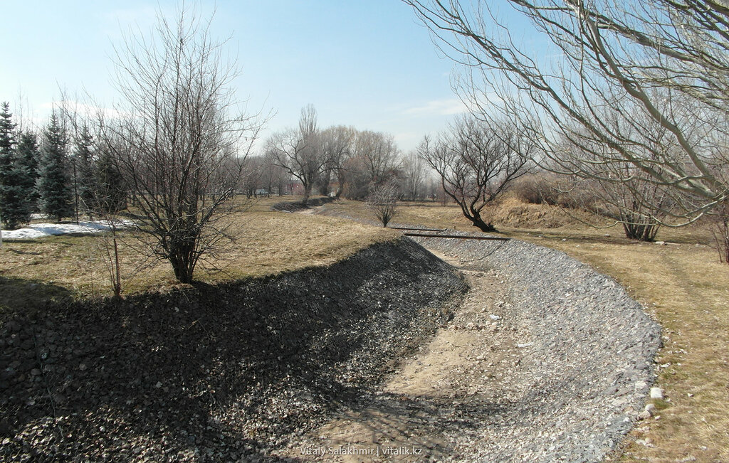 Габионы в Парке Первого Президента.