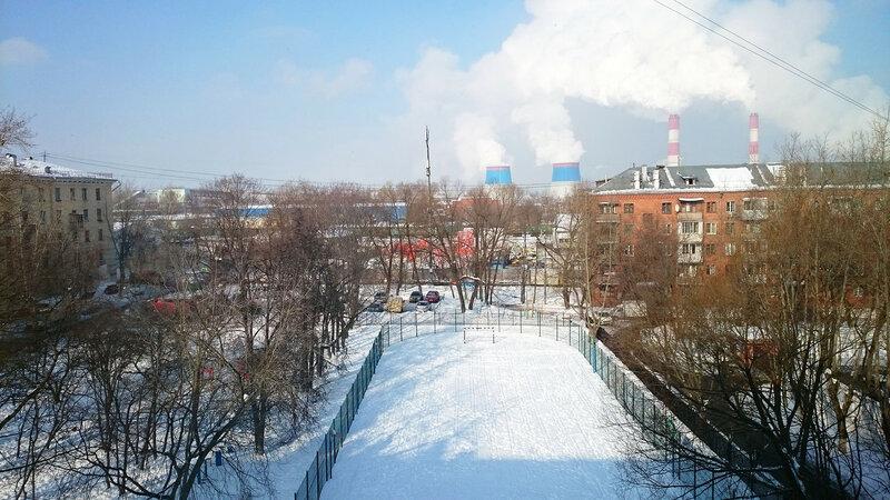 Школьный двор 2018.jpg