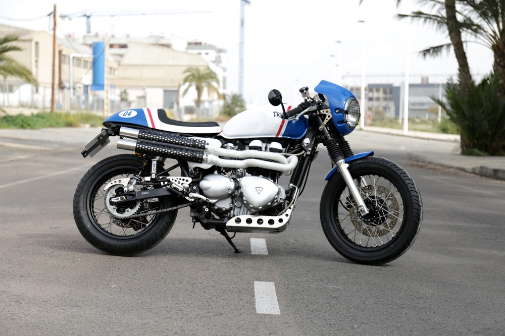 Tamarit Motorcycles: кафе рейсер Triumph Thruxton Hawkers / El Ganso