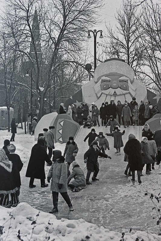 700244 Новогодний праздник в Тайницком саду В. Егоров 66.jpg