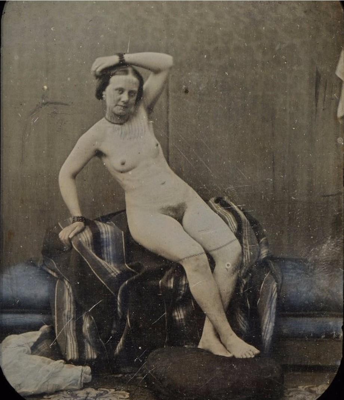 1850. Обнаженная с поднятой рукой