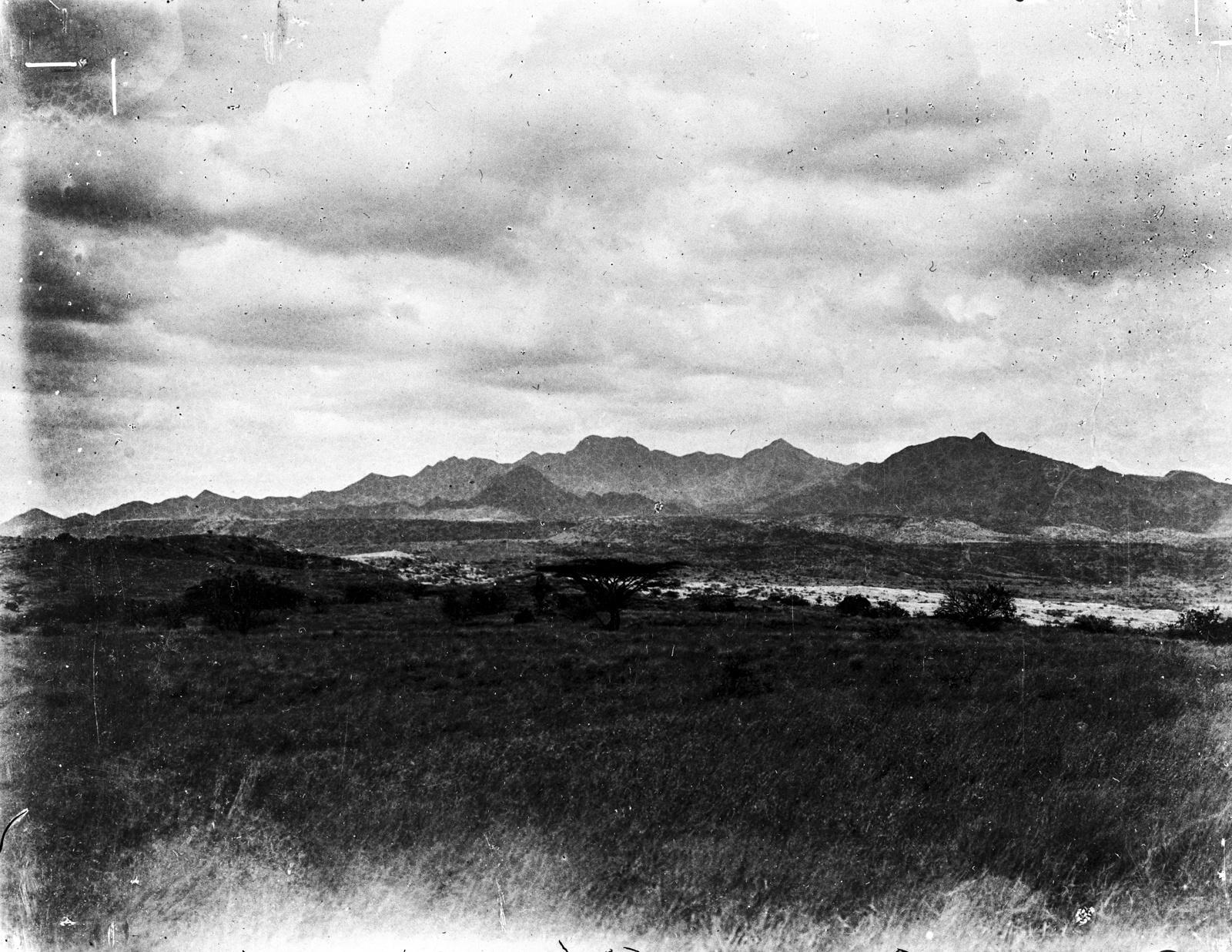 203. Вулкан Мосоник с северо-востока