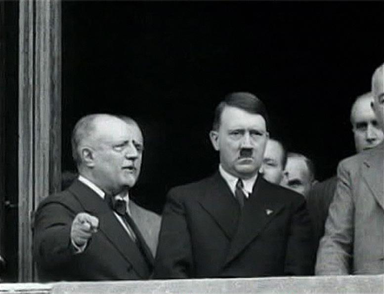 Гитлер в Венеции в 1934 году. Не ндравится