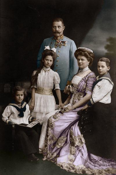 franz_ferdinand_and_his_family_by_kraljaleksandar-d34vtnj.jpg