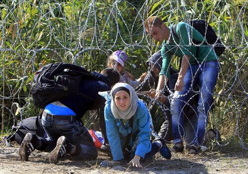 За нелегальный трафик мигрантов осуждены двое иракцев