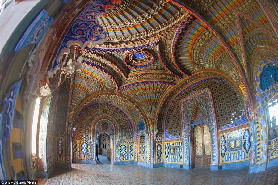 4. Замок Саммеццано в Тоскане, Италия. Замок, затерянный среди холмов в регионе Тоскана на севере Ит