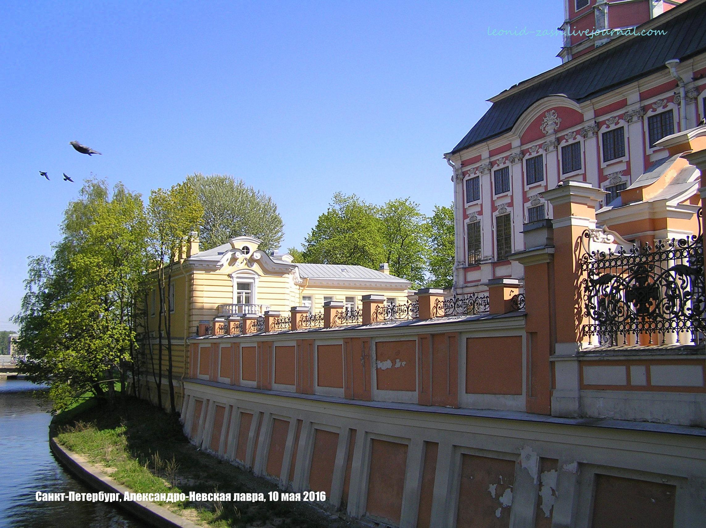 Александро-Невская Лавра Радоница 07.JPG