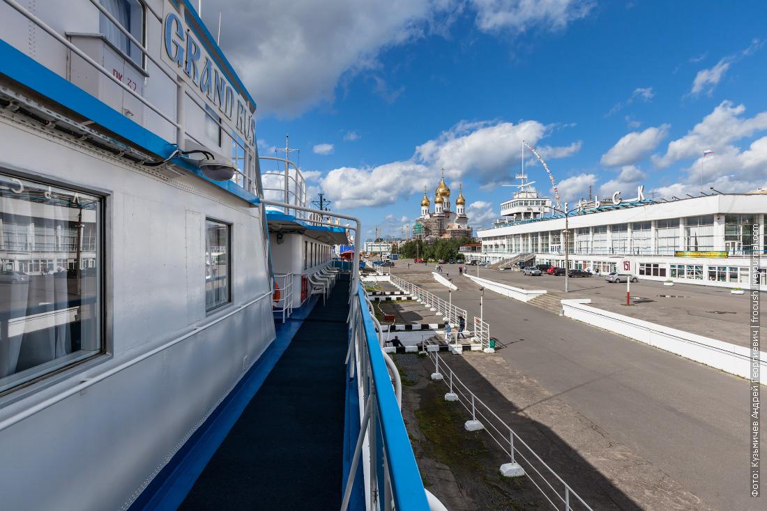 теплоход Русь Великая в Архангельске