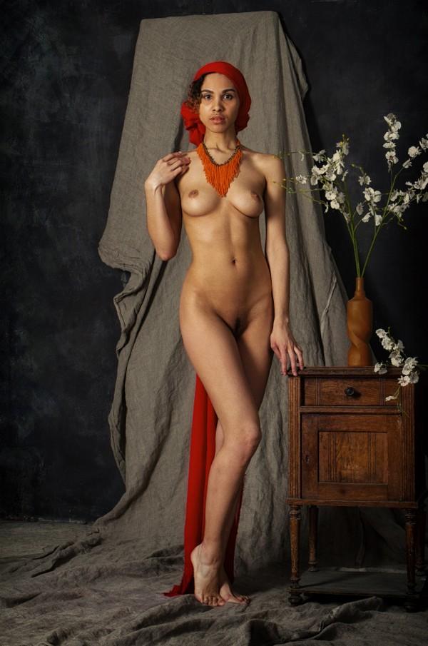 Обнаженные девушки на снимках Родислава Дрибена