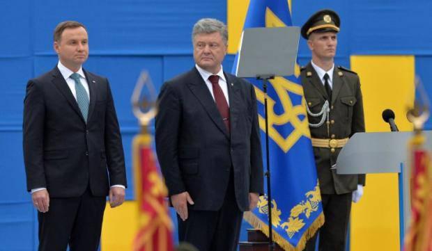 Украинцы будут праздновать две новые даты, - Порошенко