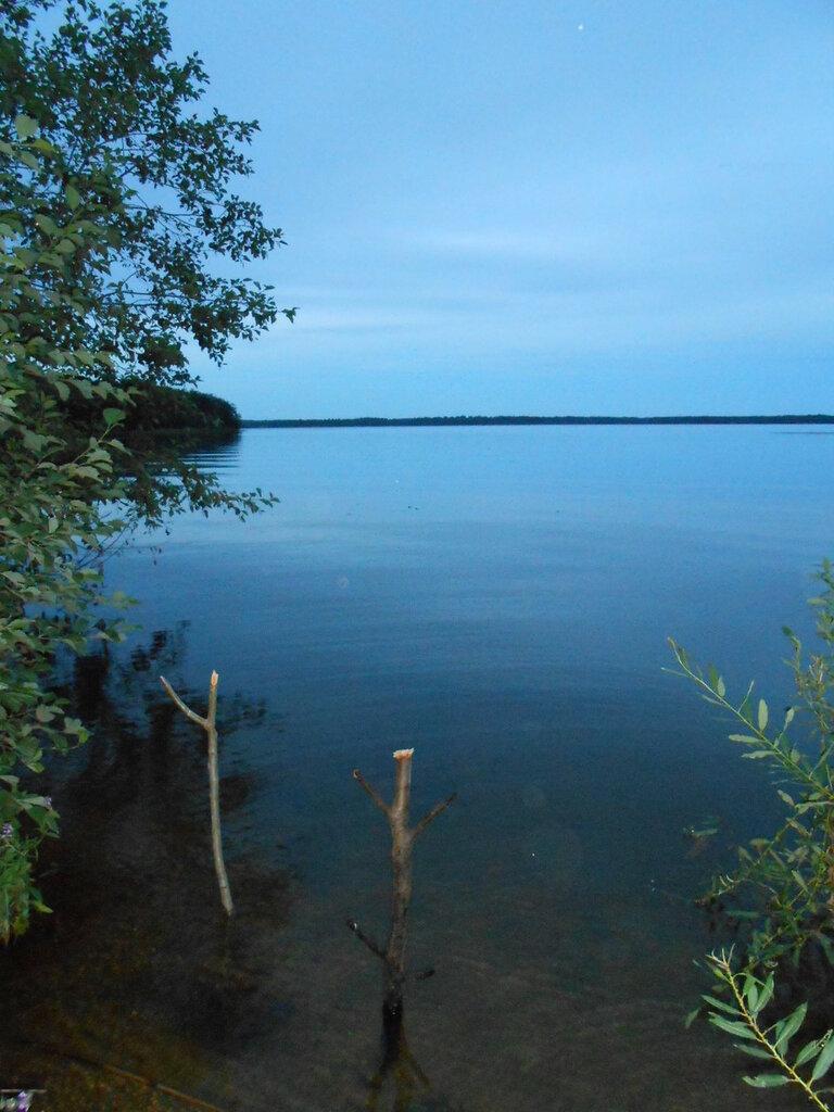 На берегу озера Вельё. Поздний вечер.