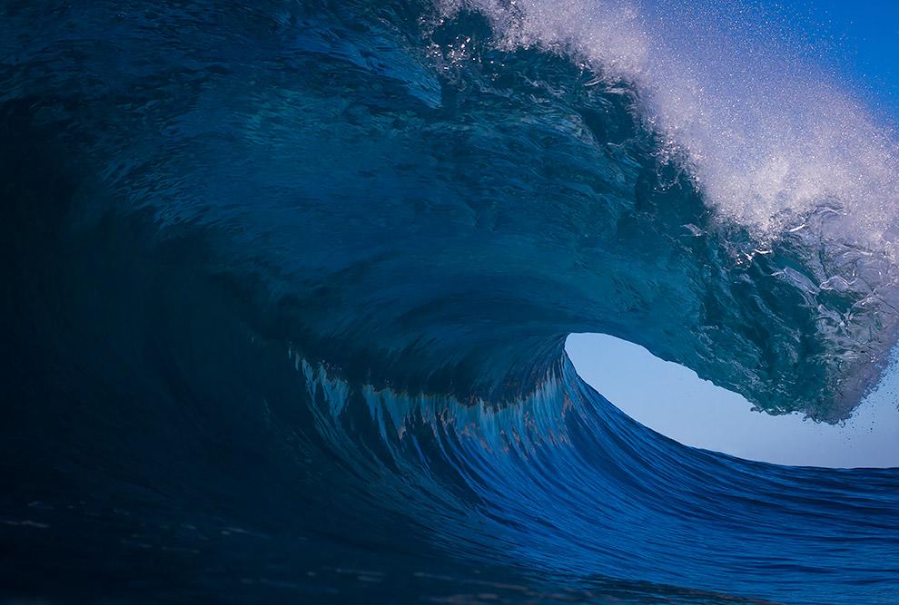 14. Издавна было замечено, что каждые 6 часов уровень воды в Мировом океане то поднимается, то