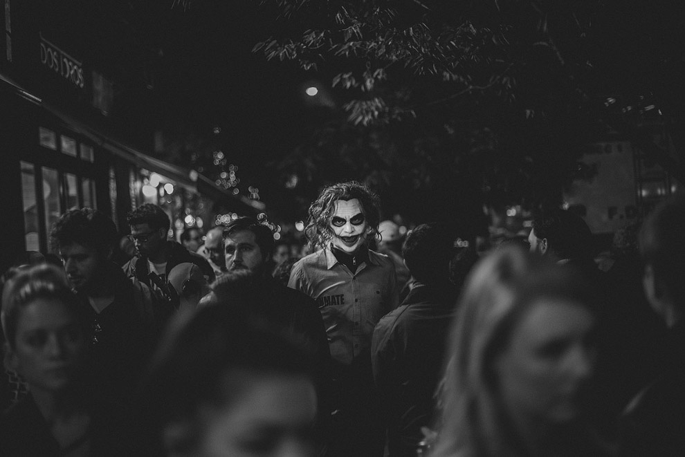 13. Ирландия: Ночь костра. (Фото Bernard Ward | Sony World Photography Awards 2017):