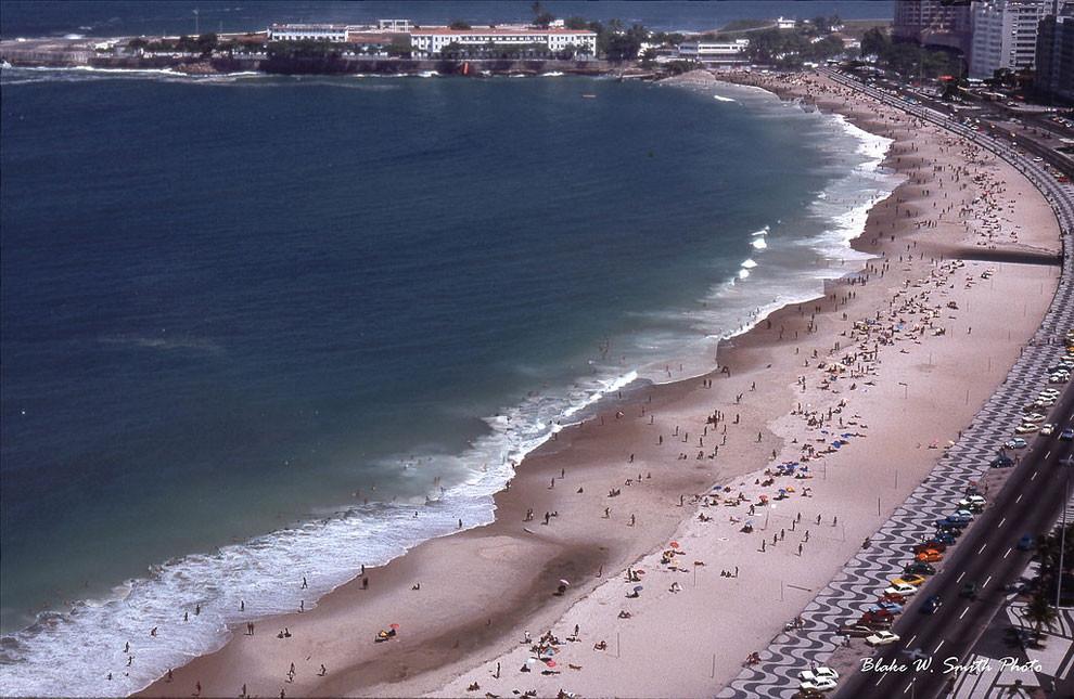 Пляжи в Бразилии.Потрясающие цветные снимки повседневной жизни бразильских пляжей в конце 1970-х годов
