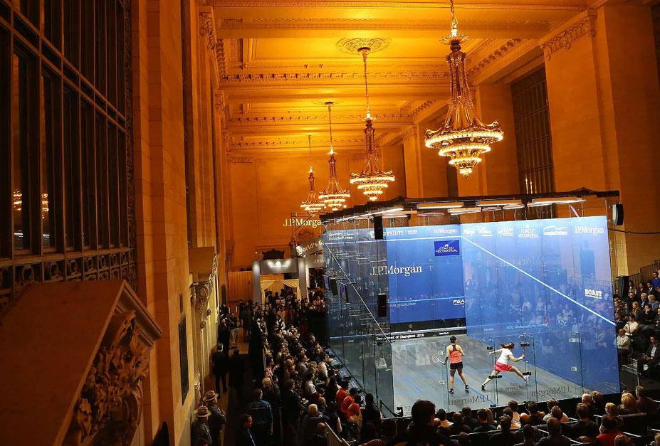 странные виды спорта - Мировой чемпионат по сквошу, проводимый в здании Центрального вокзала в Нью-Йорке