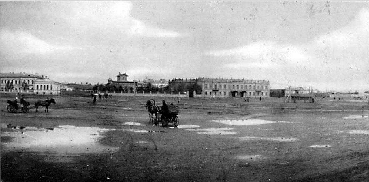 60. Иркутск. Панорама Тихвинской площади  (правая половина)