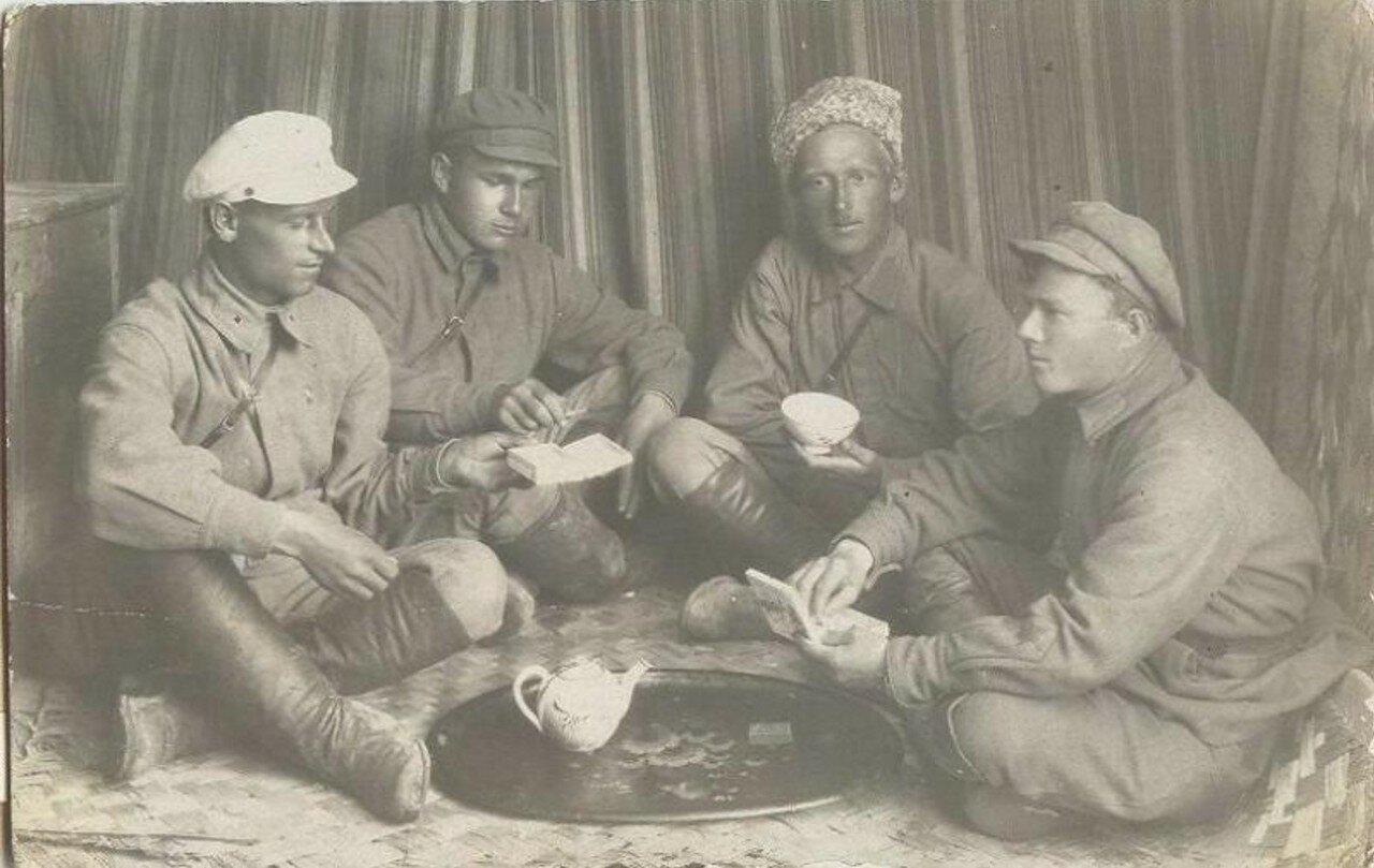 1924. Группа сослуживцев комсостава