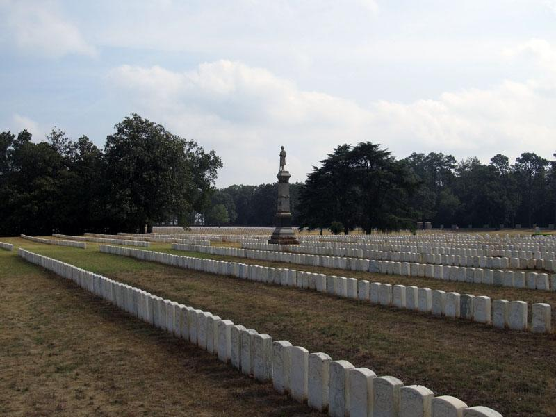 andersonville national cemetery gravestones and statue_001.jpg