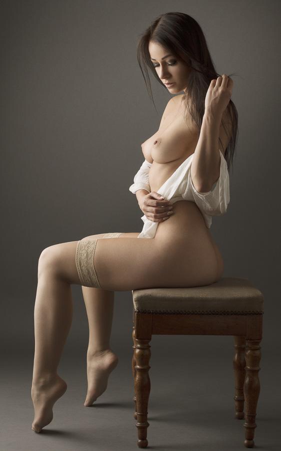 Бежевые чулки - beige stockings by Jérôme Zumbach