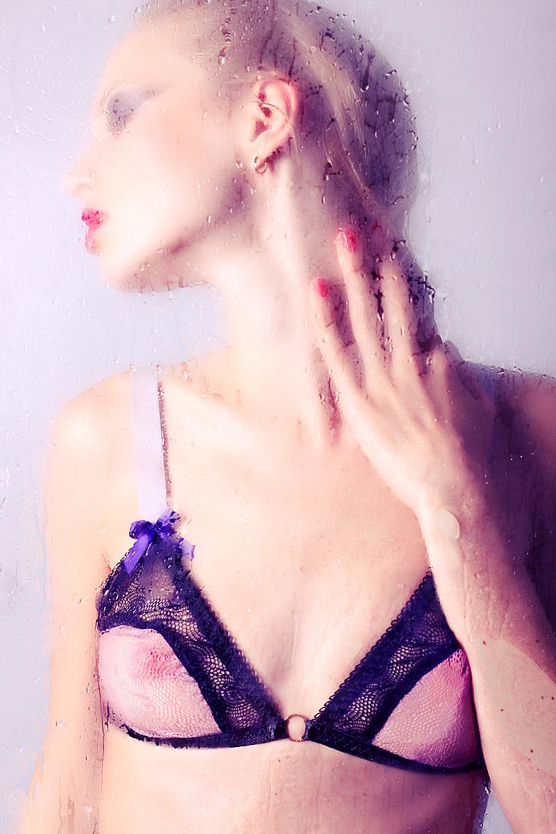 Hellyda Cavallaro | Ana Dias - INSOMNIA Magazine