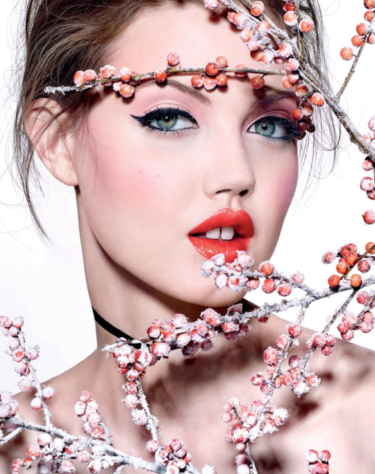 Vogue Russia January 2017 - Lindsey Wixson / Richard Burbridge