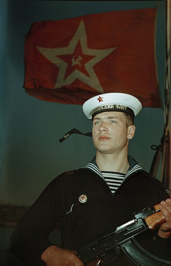 Матрос Тихоокеанского флота на посту.