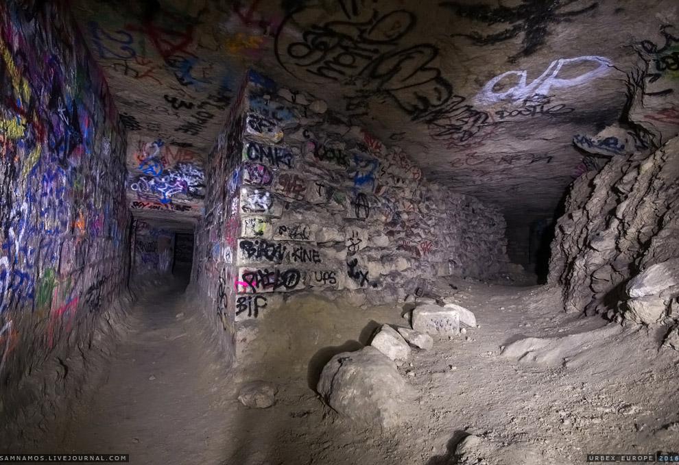 12. Как ни странно, в подземельях весьма чисто. Некоторые штольни подтопленны. Мы ходили в крос
