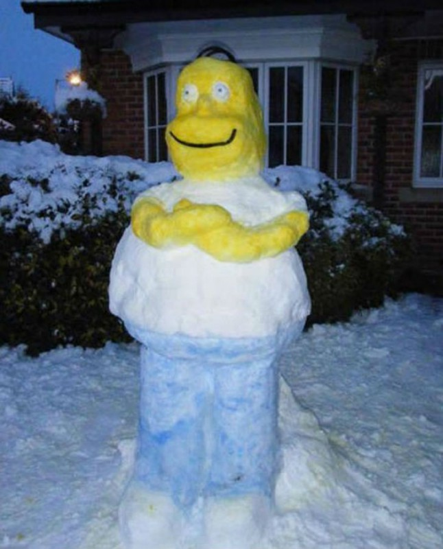 Снежный Гомер Симпсон.