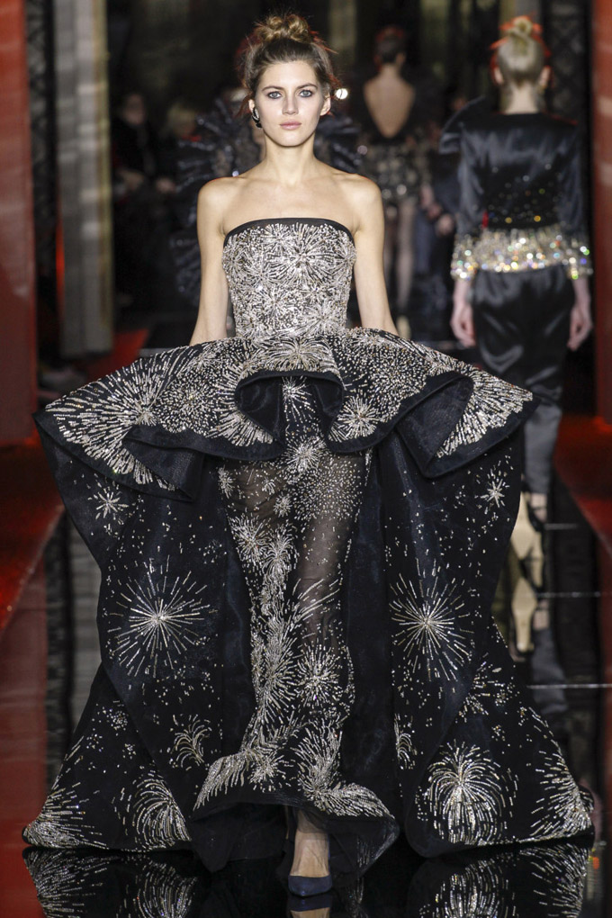 Неделя высокой моды в Париже: Zuhair Murad весна 2017 (27 фото)