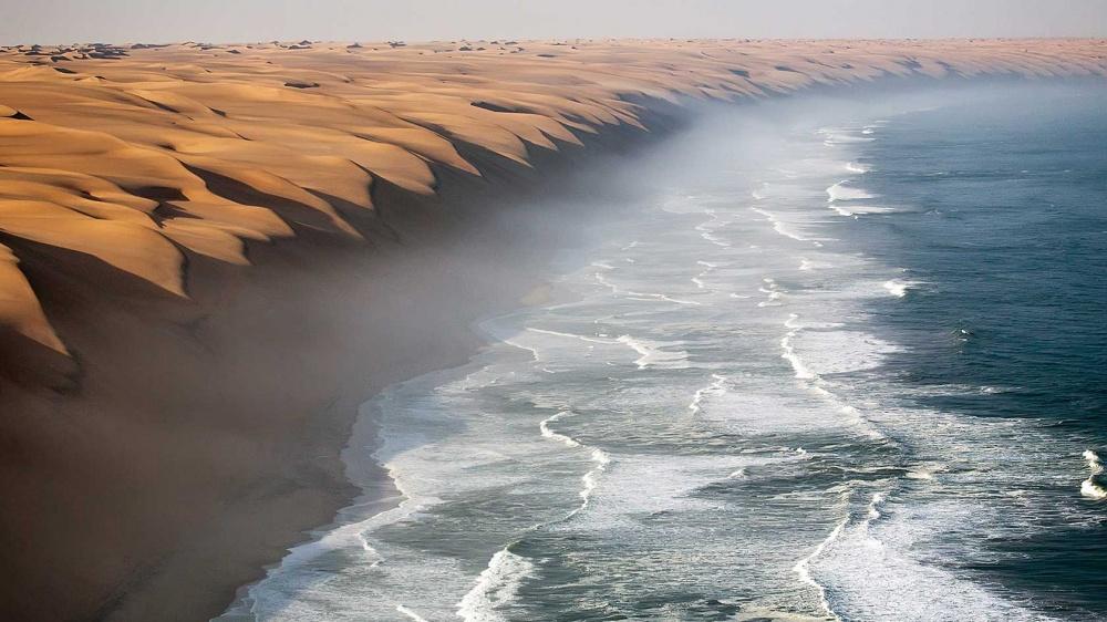 В пустыне Намиб расположены одни из самых высоких и самых зрелищных песчаных дюн в мире. Эти дюны ра