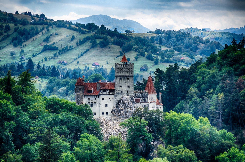 Замок Бран, Румыния Многие невесты мечтают выйти замуж в сказочном месте. Румынский замок Бран опред