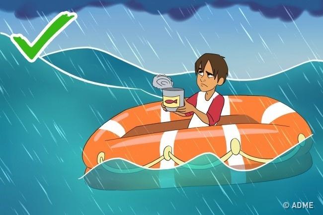 Вовремя такого принудительного мореплавания вода ценится куда больше , чем еда. Ведь двигаетесь вы