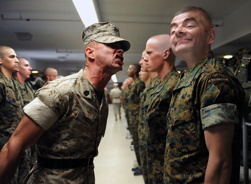 Рядовой Аткинсон на учениях вооруженных сил США в Форт-Джексоне.