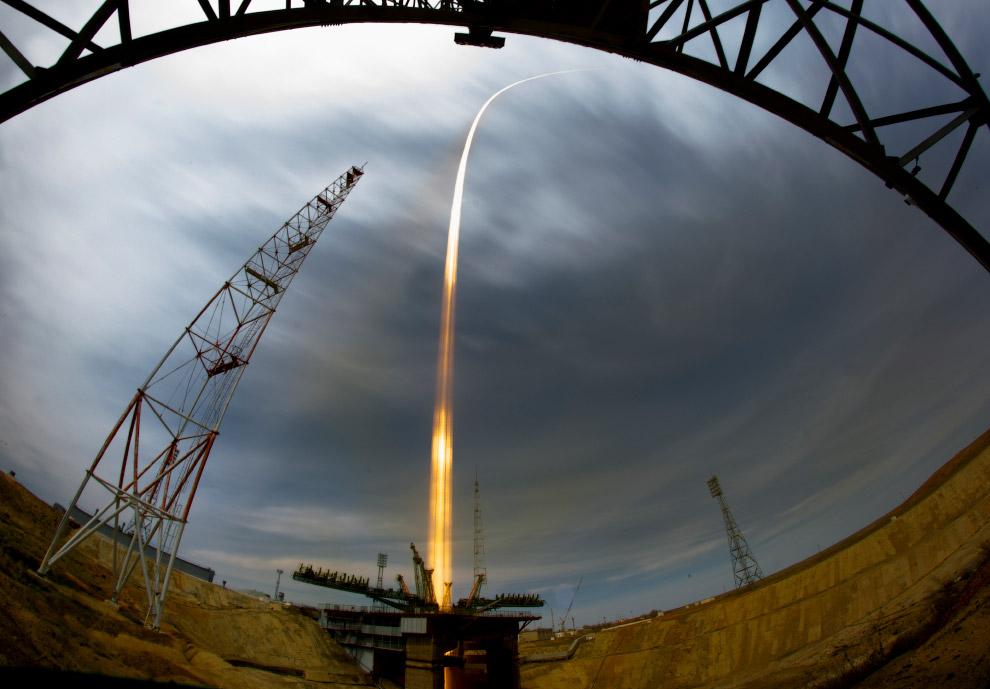 13. Шэньчжоу-9 — четвёртый пилотируемый космический корабль Китая. 16 июня 2012 в 18:37 по пеки