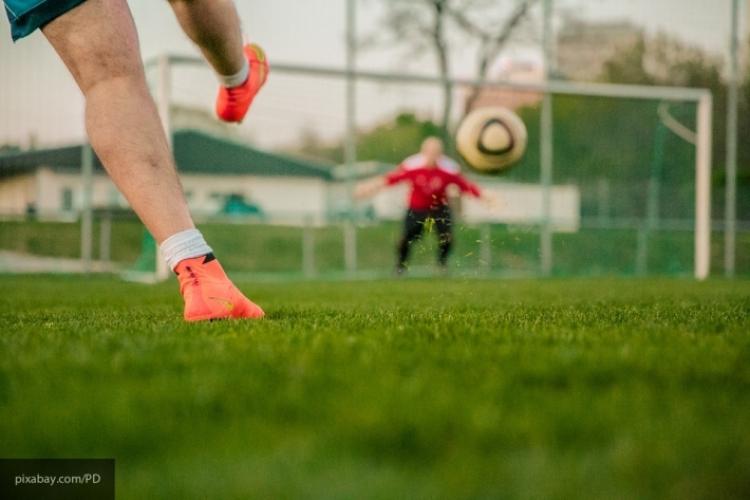 Футболиста дисквалифицирован наполгода за физиологическое влияние насудью