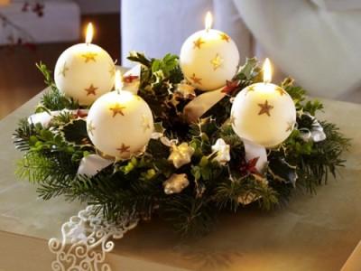 новогодняя композиция со свечками