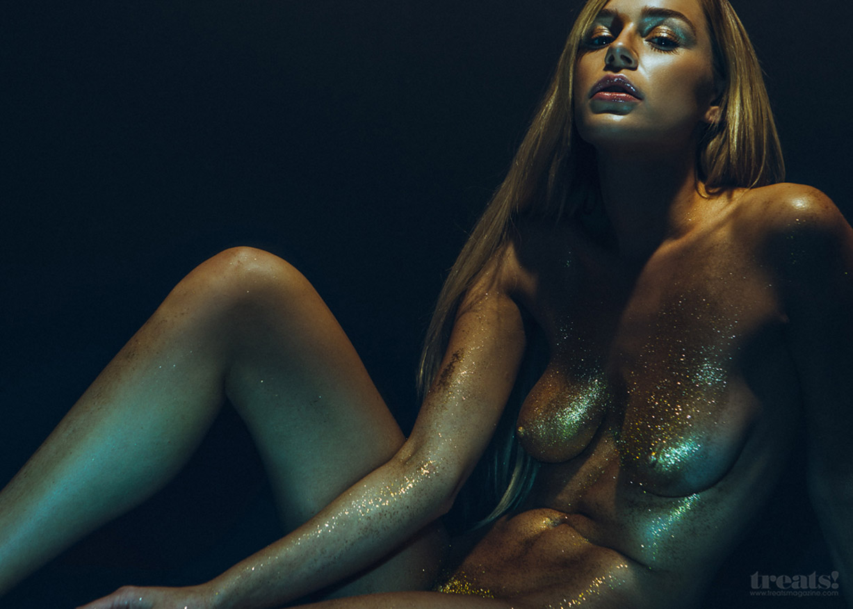 блестящая Кейт Комптон / Kate Compton nude by Ben Tsui – Treats! Magazine April 11, 2014