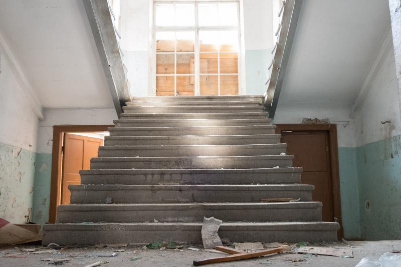 лестницы главного входа на второй этаж