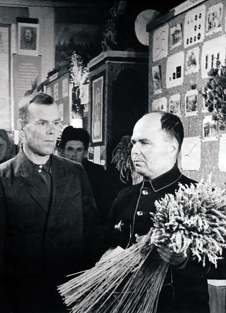 Первая районная сельскохозяйственная выставка. Павильон растениеводства (1959)