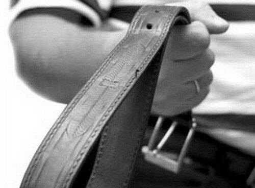Отец избил до смерти 6-летнего сына железной трубой