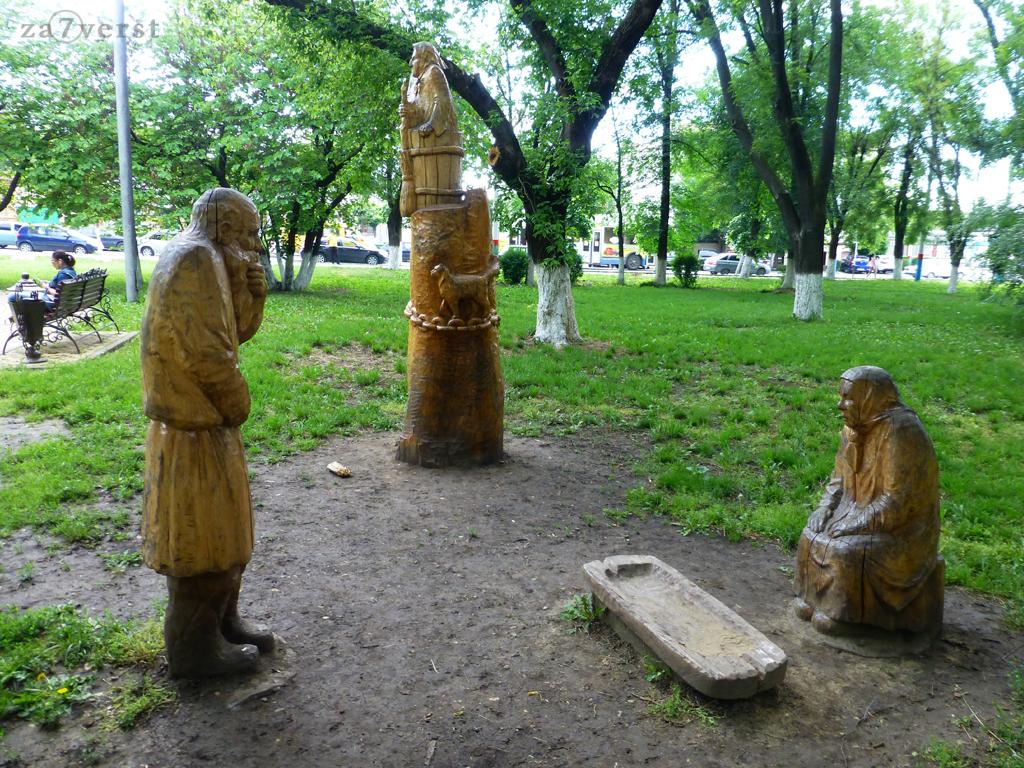 Армавир, деревянные скульптуры