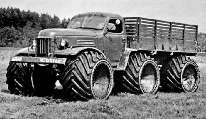 2,5-тонный ЗИЛ-157 на арочных колесах. ЗИЛ-136 Опытный снегоболотоход ЗИЛ-136 был построен и испытыв