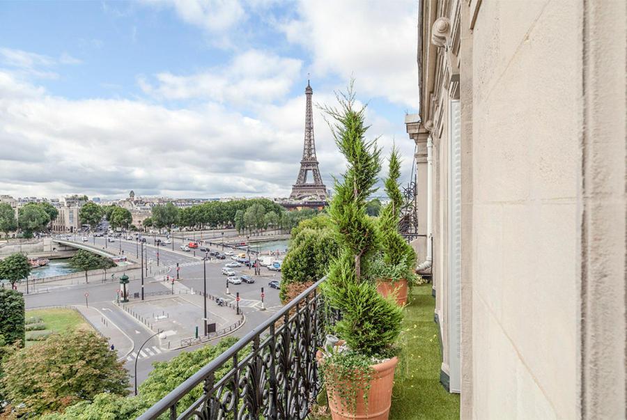 7. Франция Скорее всего, владельцем этих апартаментов является очень состоятельный человек, так как