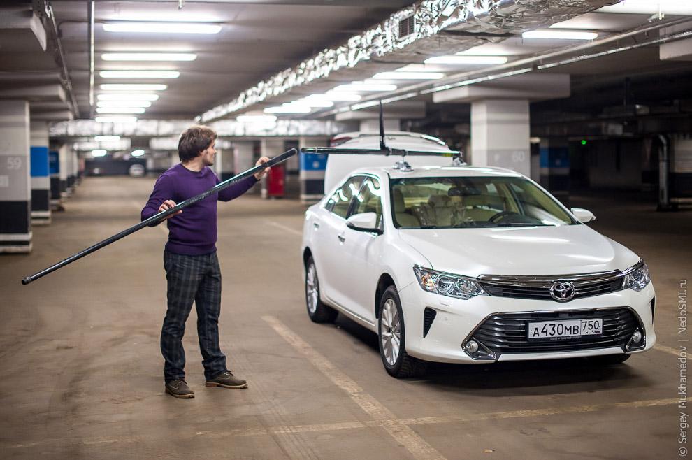 9. Задача рига — держать камеру неподвижно относительно машины. Сделать это непросто. Двухкилог
