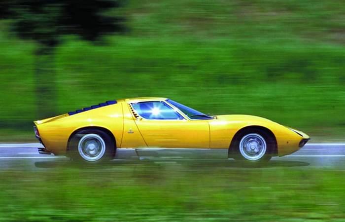 Miura - прародительница всех среднемоторных Lamborghini. Miura - прародительница всех среднемоторных